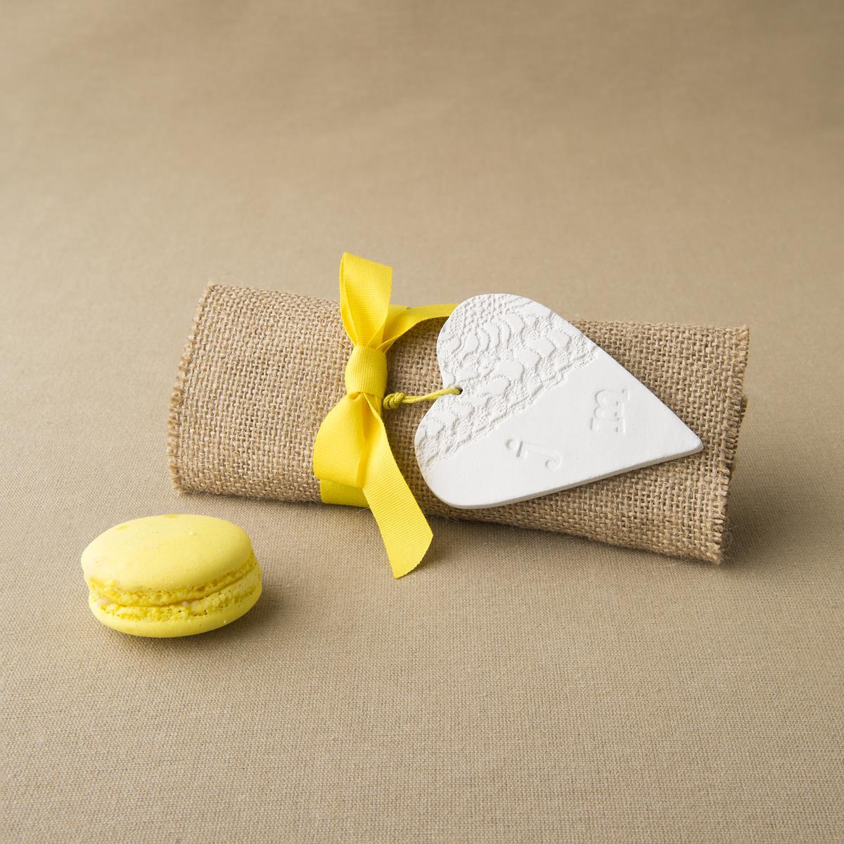Μπομπονιέρα γάμου customade καρδιά από πηλό | Broderie Anglaise
